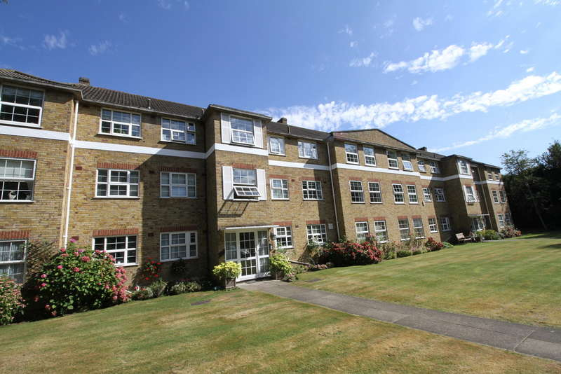 2 Bedrooms Flat for sale in Kemnal Road, Chislehurst