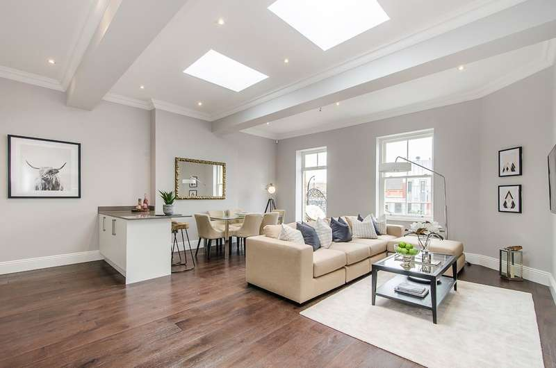 3 Bedrooms Flat for sale in Francis House, London