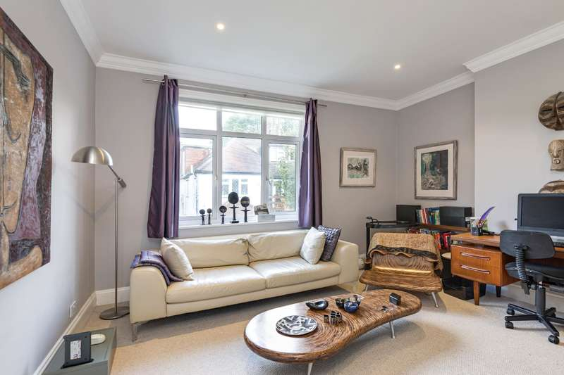 4 Bedrooms House for sale in Park Avenue, Golders Hill Park