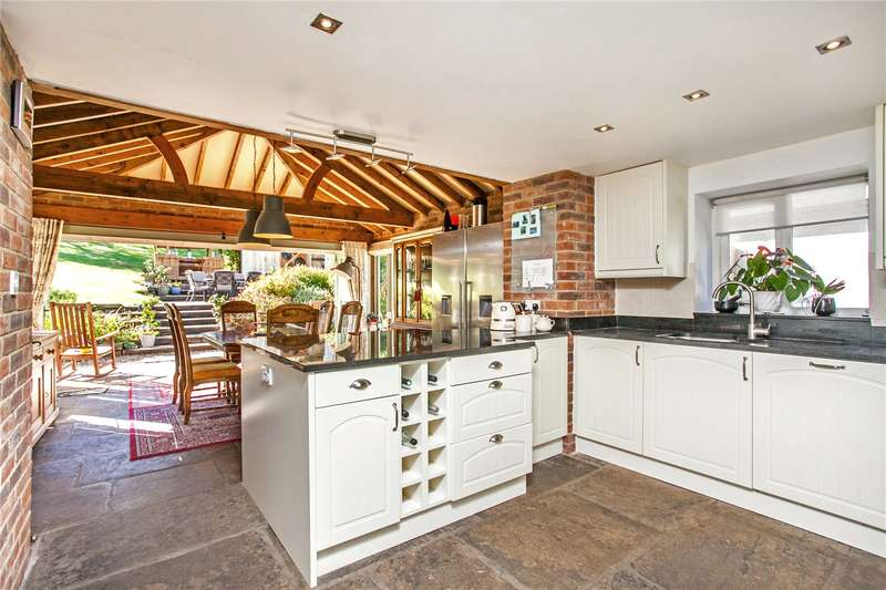 5 Bedrooms Detached House for sale in Winterslow Road, Porton, Salisbury, Wiltshire, SP4
