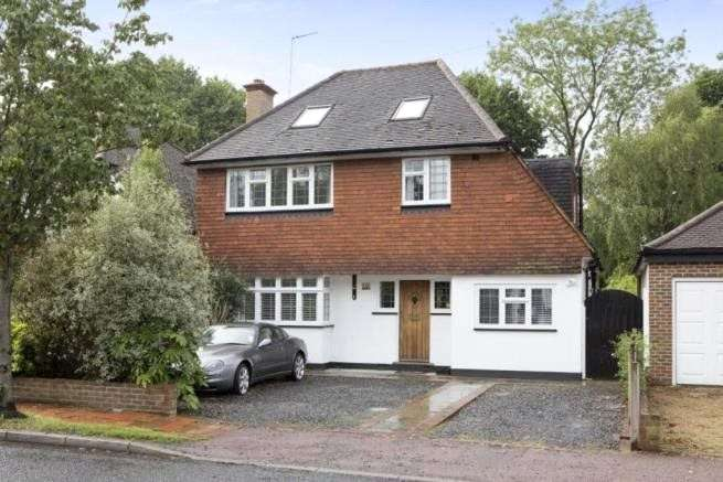 5 Bedrooms Detached House for sale in The Woodlands, Esher, Surrey, KT10