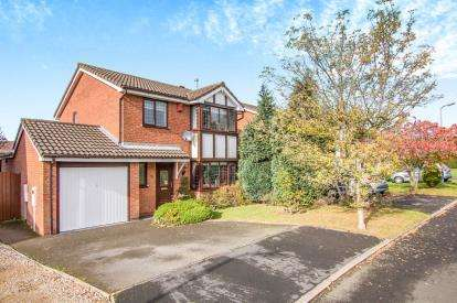 4 Bedrooms Detached House for sale in St. Austell Close, Nuneaton, Warwickshire, .