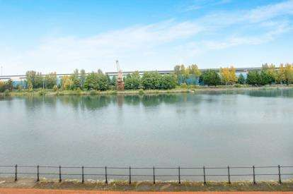 1 Bedroom Flat for sale in Henke Court, Cardiff Bay, Cardiff, Wales