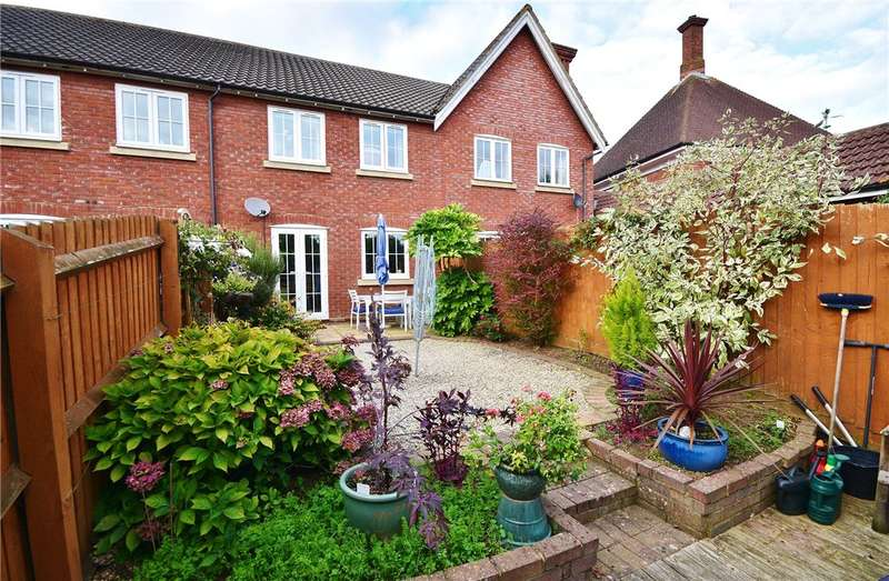 2 Bedrooms Terraced House for sale in St. Michaels Mead