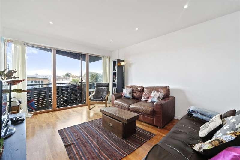 2 Bedrooms Flat for sale in Gainsborough Studios North, 1 Poole Street, N1