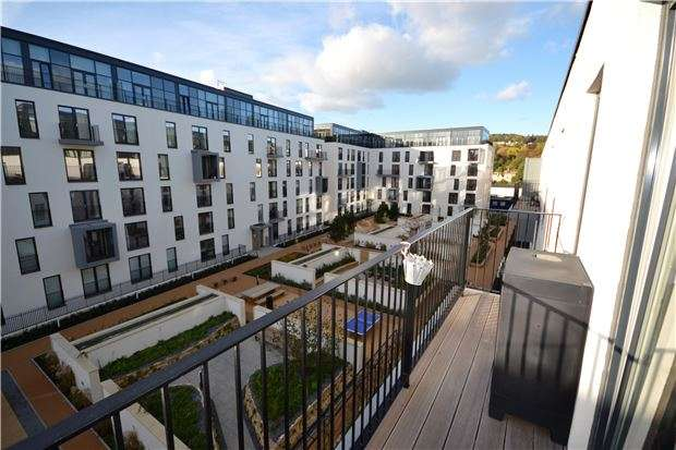 2 Bedrooms Flat for sale in Leopold House, Percy Terrace, Bath, BA2