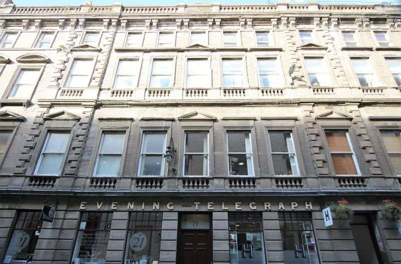 2 Bedrooms Flat for sale in Bank Street, Dundee DD1 1RL