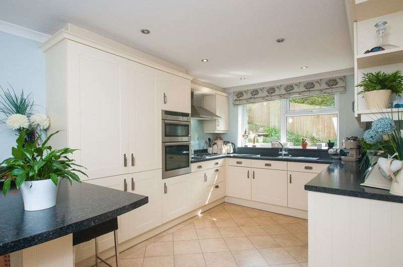 4 Bedrooms Detached House for sale in Ivy Bank Park, Entry Hill, Bath