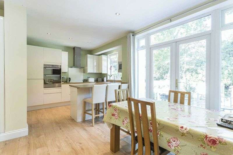 4 Bedrooms House for sale in Harman Avenue, Woodford Green
