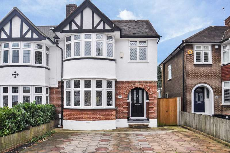4 Bedrooms Semi Detached House for sale in Westhurst Drive, Chislehurst, BR7 6HT