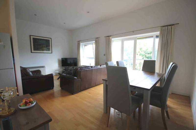2 Bedrooms Flat for sale in The River Buildings, Western Road, Leicester
