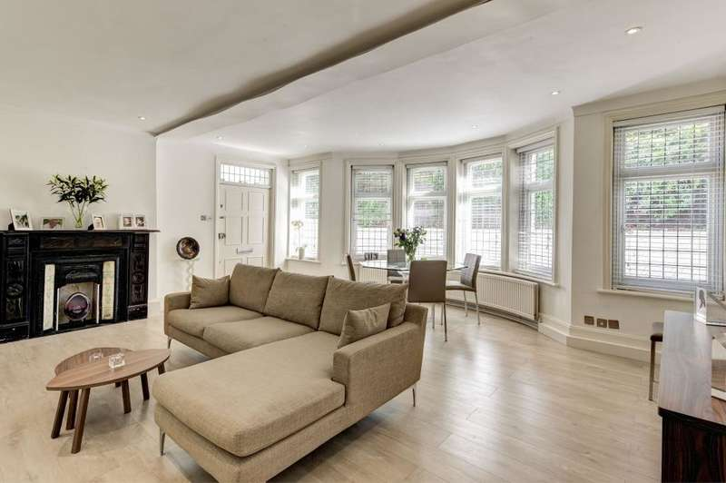 3 Bedrooms Flat for sale in Kidderpore Avenue Hampstead NW3
