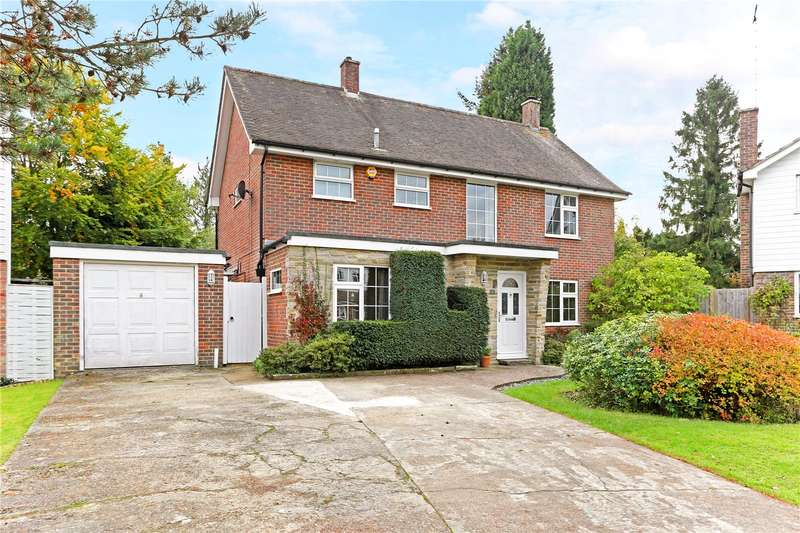 3 Bedrooms Detached House for sale in Lakeside, Horsham, West Sussex, RH12