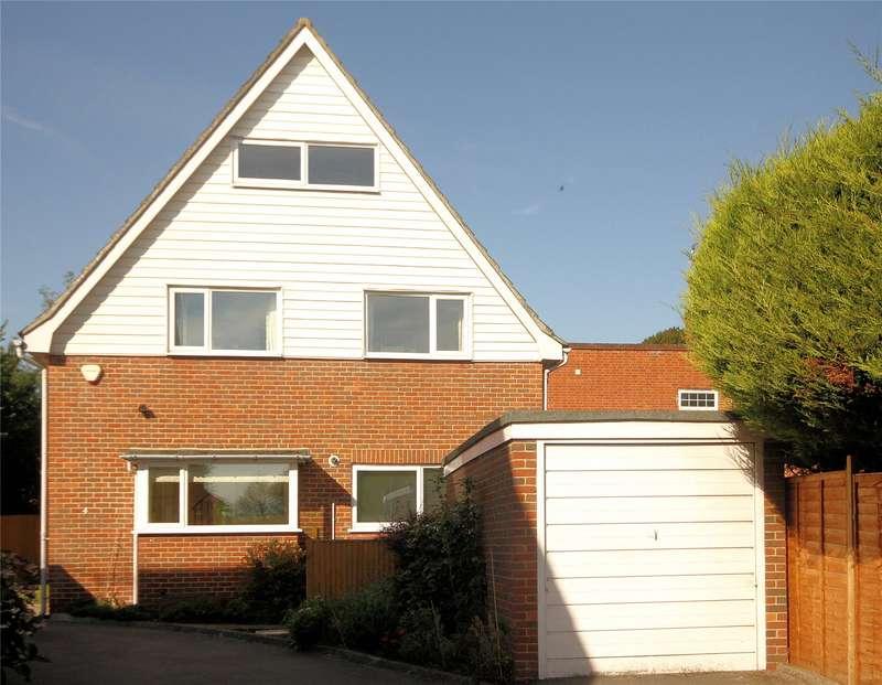 4 Bedrooms Detached House for sale in Lucerne Close, Woking, Surrey, GU22