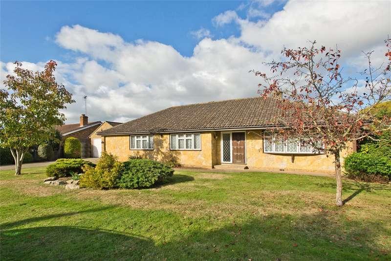 4 Bedrooms Detached Bungalow for sale in Hogshill Lane, Cobham, Surrey, KT11