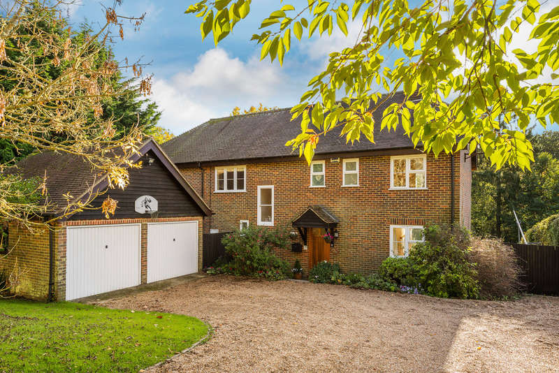 5 Bedrooms Detached House for sale in Fordcombe, Tunbridge Wells, TN3