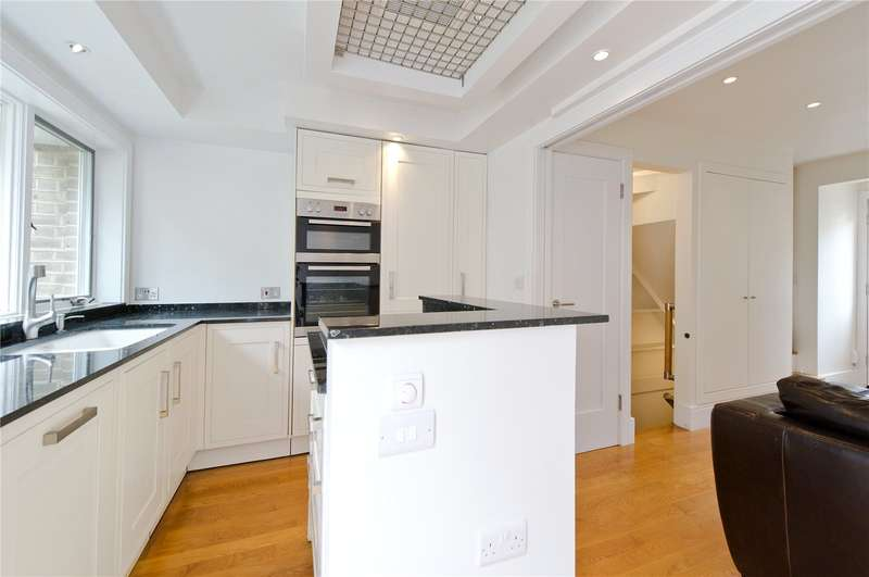 3 Bedrooms House for sale in Stanley Road, London, SW14