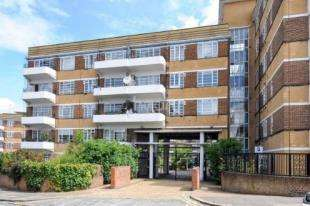 1 Bedroom Flat for sale in Dumbarton Court, Brixton Hill, Brixton, London
