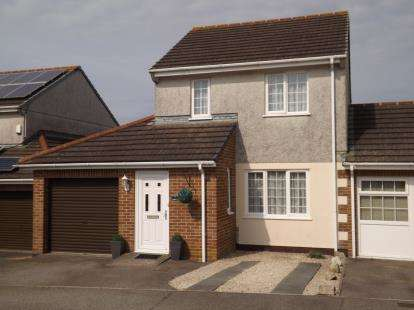 3 Bedrooms Link Detached House for sale in St. Columb Road, St. Columb, Cornwall