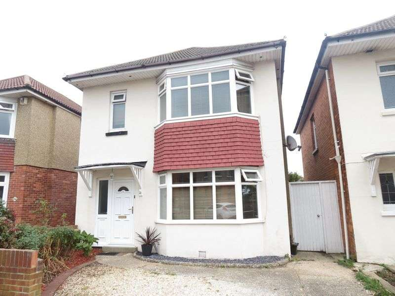 3 Bedrooms Detached House for sale in King George Avenue, Bournemouth