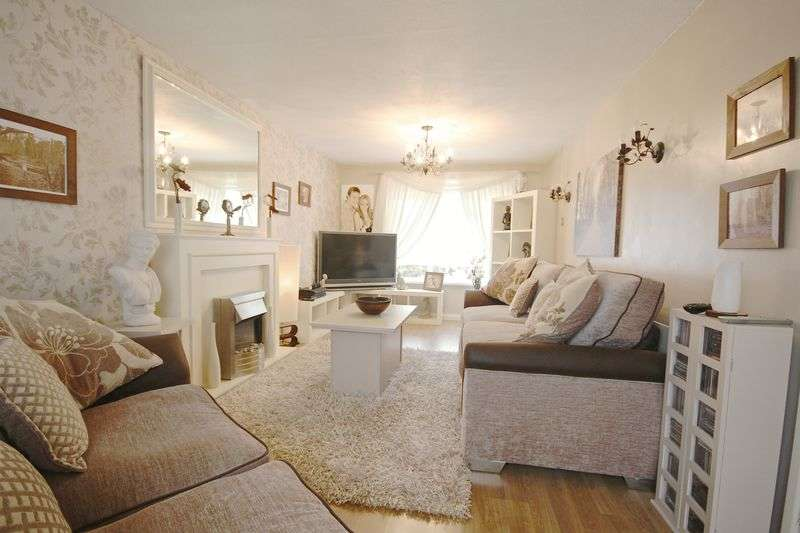 3 Bedrooms Terraced House for sale in Millfield, Poole. BH17
