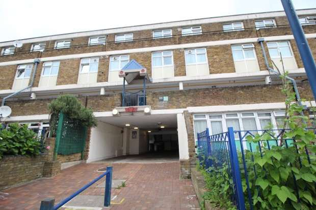 3 Bedrooms Apartment Flat for sale in Chute House Stockwell Park Road, London, SW9