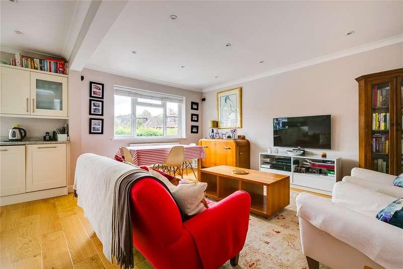 3 Bedrooms Maisonette Flat for sale in Ellison Road, London, SW13