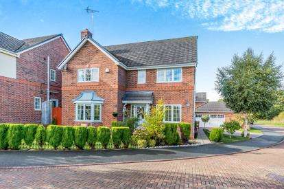 4 Bedrooms Detached House for sale in Kemble Close, Wistaston, Crewe, Cheshire