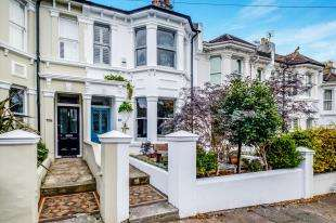 4 Bedrooms Terraced House for sale in Waldegrave Road, Brighton, East Sussex