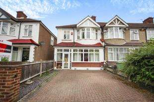 3 Bedrooms End Of Terrace House for sale in Eden Way, Beckenham