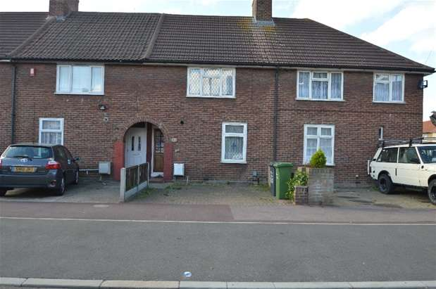2 Bedrooms Terraced House for sale in Beverley Road, Dagenham