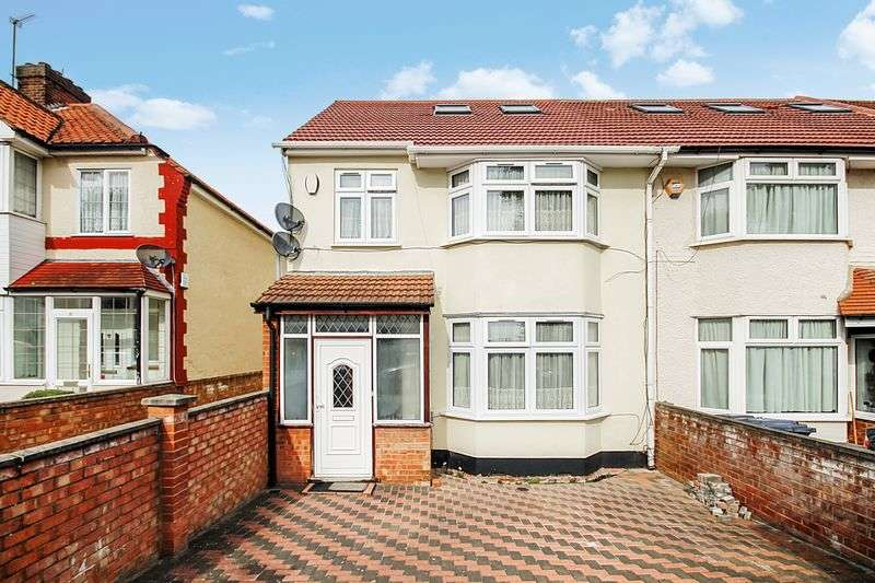 4 Bedrooms Terraced House for sale in Walking distance to Greenford`s Broadway