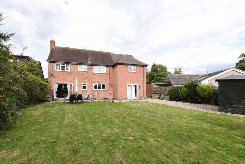 5 Bedrooms Detached House for sale in Aldermaston Road, Pamber End