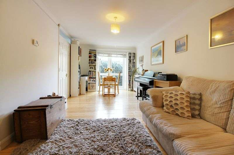 1 Bedroom Flat for sale in Alexander Court, Hannay Lane, N8
