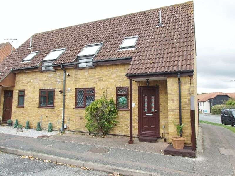 3 Bedrooms Semi Detached House for sale in Wellesley, Harlow, Essex, CM19 5QX