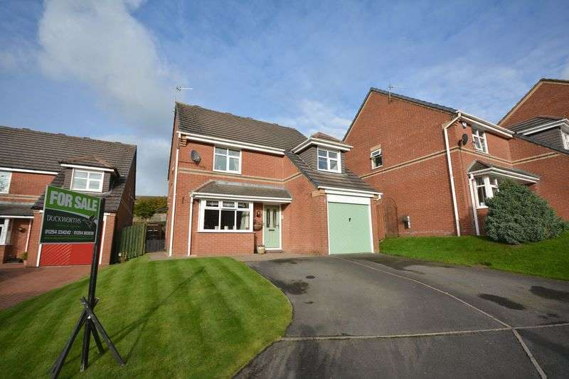 4 Bedrooms Detached House for sale in Hexham Close, Baxenden
