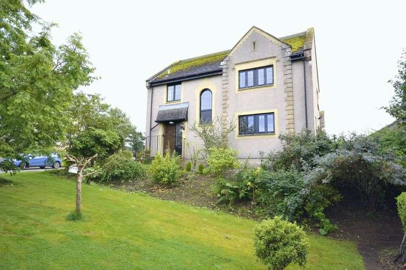 4 Bedrooms Detached House for sale in 13 Bellfield Crescent, Peebles, EH45 8RQ