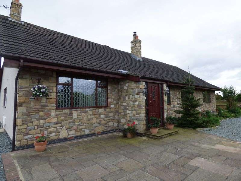 6 Bedrooms Detached House for sale in The Poppies, Southport Road, Ulnes Walton, PR26 8LQ