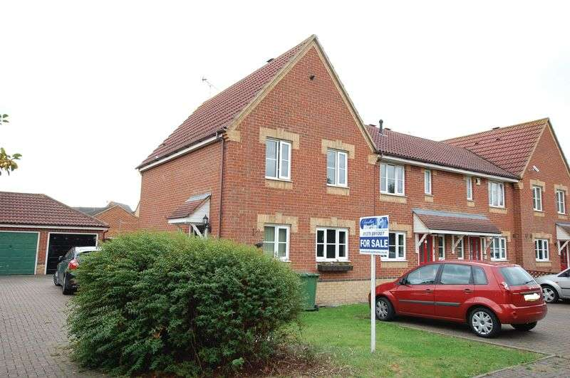 3 Bedrooms Terraced House for sale in Timberlog Close, Basildon
