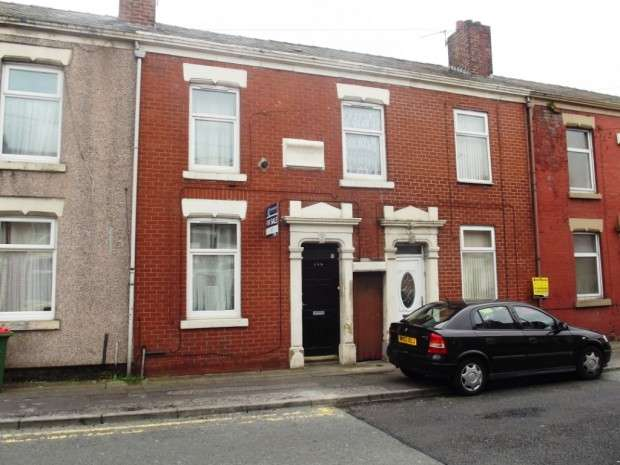 4 Bedrooms Terraced House for sale in St. Georges Road, Preston, PR1