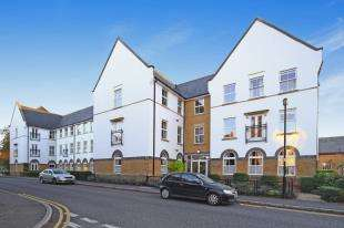 2 Bedrooms House for sale in Boundary Point, Coldstream Road, Caterham, Surrey