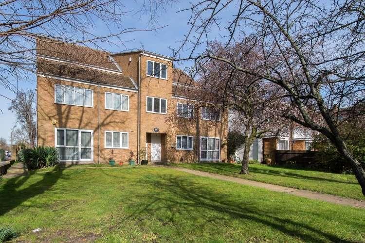 1 Bedroom Flat for sale in Eltham Road Lee SE12