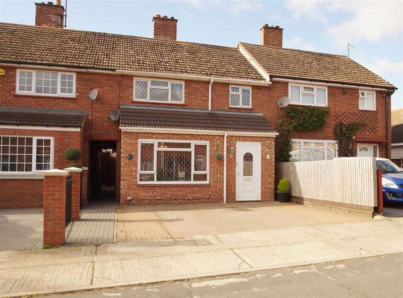 3 Bedrooms Terraced House for sale in Talcott Road, Monkwick, Colchester