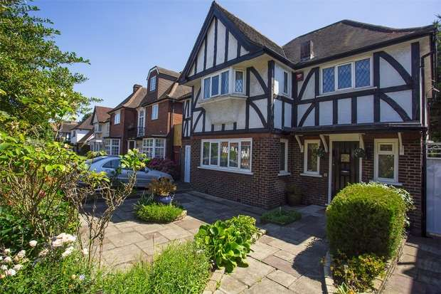 5 Bedrooms Detached House for sale in Corringway, Ealing