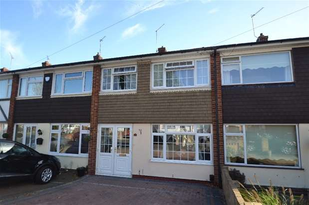 3 Bedrooms House for sale in Navarre Gardens, Romford