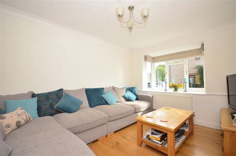 4 Bedrooms Detached House for sale in Leeds Close, Southwater, West Sussex