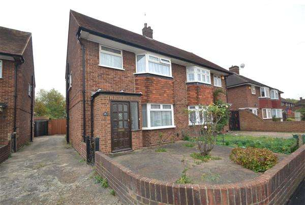 3 Bedrooms Semi Detached House for sale in Sunbury Road, Feltham
