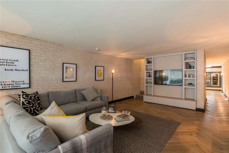 2 Bedrooms Ground Maisonette Flat for sale in Garway Road, London, W2