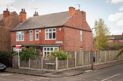 3 Bedrooms Semi Detached House for sale in Breedon Street, Long Eaton, Nottingham, .