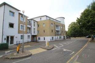 Flat for sale in Gateway Court, Sutton